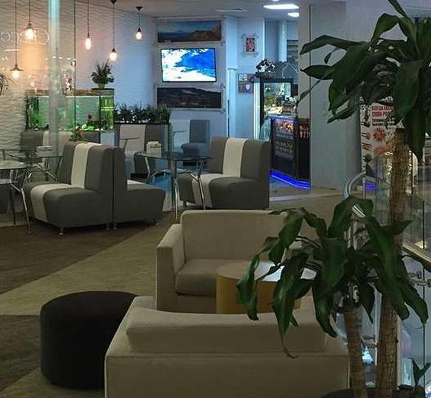 Кафе-бар Tropicana в известном ТЦ в ЗАО Москвы